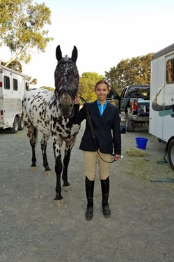 Blake and Tango horse show 1 for NL